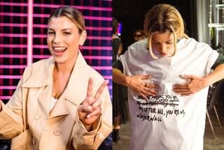 Emma Marrone a X-Factor, puntata 4: completo da 3mila euro, poi passa alla t-shirt personalizzata
