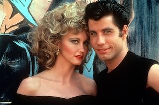 Grease: il segreto dei pantaloni di pelle di Sandy e quello che non sapevi sui look del film cult