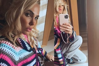 Ilary Blasi col cardigan all'uncinetto, indossa il must-have dell'autunno in versione lunga e multicolor