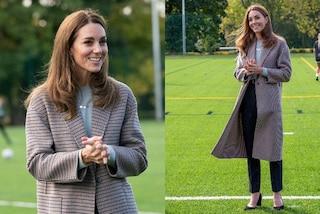 Kate Middleton, il nuovo look è perfetto per l'autunno: il suo cappotto svasato è già sold-out