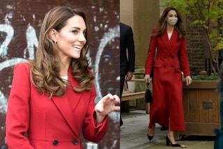 Kate Middleton in cappotto rosso è un incanto: il look anticipa l'arrivo dell'inverno