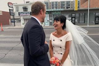 Lily Allen e il segreto dell'abito da sposa: l'ha acquistato poche ore prima della promessa di nozze