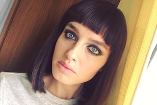 Matilde Gioli cambia look, segue il trend del caschetto lungo e della frangia cortissima