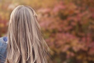Caduta dei capelli: la tricologa risponde alle 10 domande più frequenti