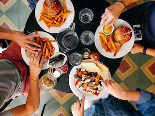 Patatine, biscotti e snack: come resistere al cibo spazzatura grazie alle strategie della psicologa