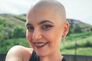Sara, la 19enne che racconta il tumore su TikTok col sorriso: «Ragazzi non sprecate la vostra vita»