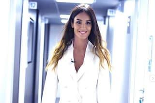 Verissimo, la quarta puntata: Silvia Toffanin va in bianco, con il completo maschile è elegantissima