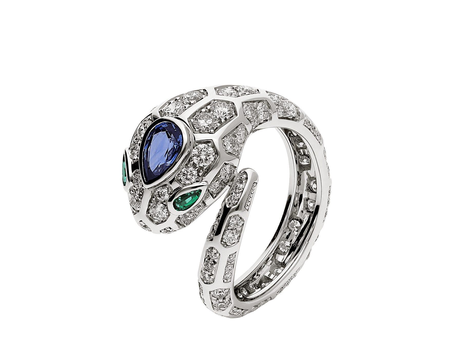 Uno degli anelli Bvlgari di Emma Marrone