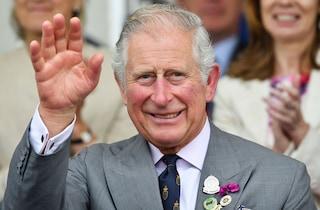 Il principe Carlo paladino della moda sostenibile: è contro gli sprechi e ricicla i vecchi abiti