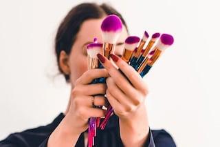 Il make up migliora l'autostima e l'umore: il potere terapeutico del trucco durante il lockdown