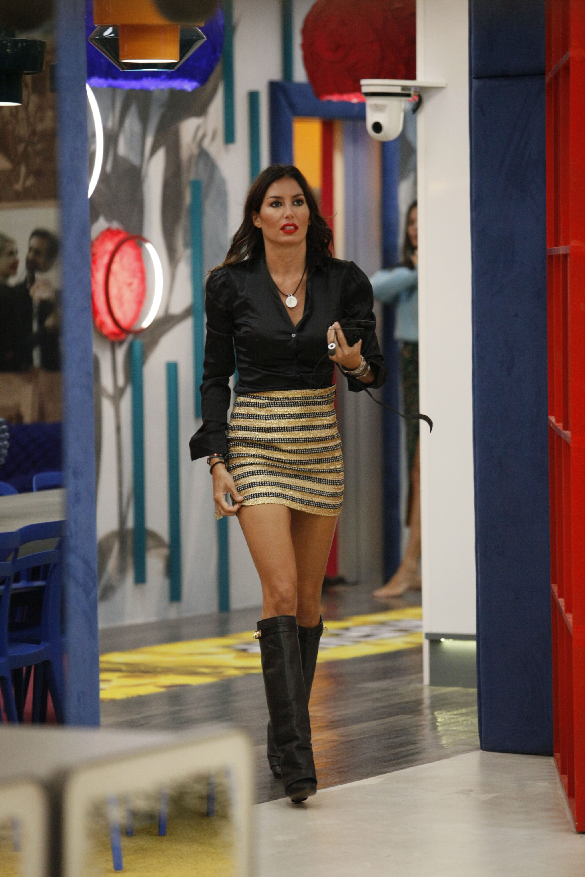 Un look di Elisabetta Gregoraci al Grande Fratello Vip 2020 con stivali Givenchy