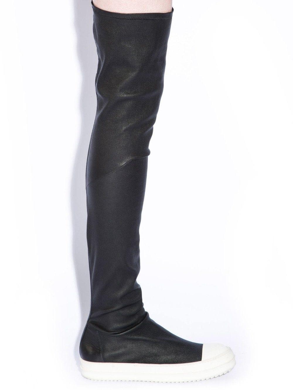 Gli stivali di Rick Owens apparsi sulla passerelle Autunno/Inverno 14–15