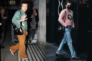 Achille Lauro ed Harry Styles sfoggiano la it-bag del momento: sono il simbolo della moda genderless