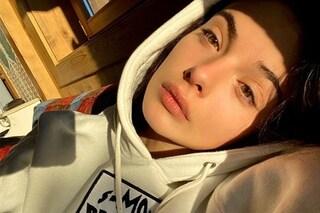 Deva Cassell icona di stile anni '90: la figlia di Monica Bellucci ama i look nineties