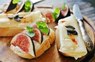 L'avocado è superato, adesso il piatto che spopola su Instagram è il toast coi fichi