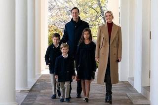Piccoli Trump crescono: i figli di Ivanka alla Casa Bianca con i look coordinati (ma senza Melania)
