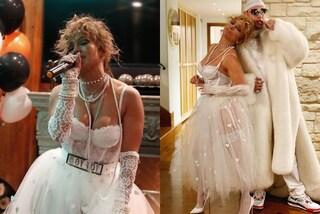 J.Lo con l'abito da sposa anni '80: il look per Halloween è un omaggio a Madonna