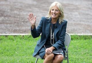 Jill Biden, lo stile elegante della nuova first lady USA (che ama le scarpe firmate)