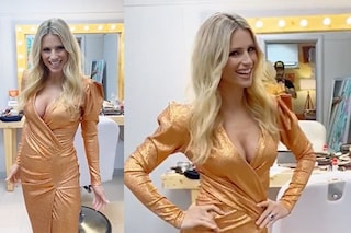 All Together Now 2020: Michelle Hunziker sexy e glam con la maxi scollatura e i glitter
