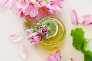 I rimedi naturali contro candida, cistite e pruriti: i consigli della ginecologa