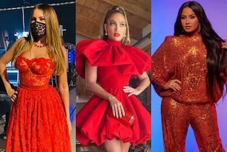 """People's Choice Awards 2020: da J.Lo a Sofia Vergara, trionfano i look rossi in stile """"natalizio"""""""