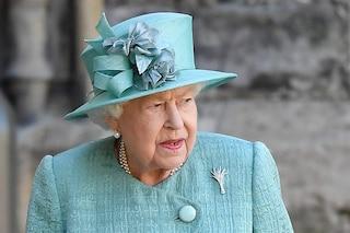 """Elisabetta II, """"The Crown 4"""" svela chi è il figlio preferito della regina"""