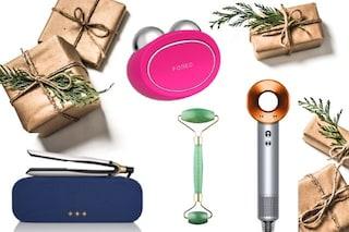 10 regali di Natale tech dedicati alla bellezza: dagli accessori per capelli ai massaggiatori per il viso