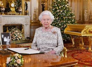 La ghirlanda di Natale della regina Elisabetta II: il tutorial per realizzarla a casa