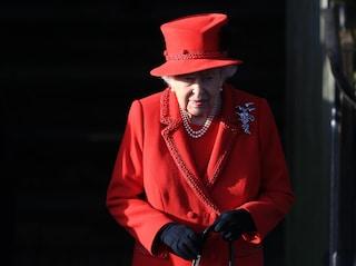 """Il Natale """"non convenzionale"""" della regina Elisabetta: lo staff la costringe a cambiamenti drastici"""