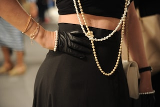 Perché non si regalano le perle? Il linguaggio segreto di questo gioiello