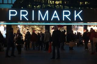 Primark rivoluziona lo shopping natalizio in pandemia: i negozi rimarranno aperti h24