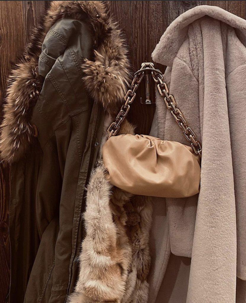 La borsa Bottega Veneta postata su Instagram da Cecilia Rodriguez