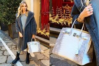 La borsa per lo shopping di Natale di Chiara Ferragni vale 100mila euro ed è uguale a quella di J.Lo