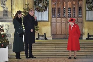 La regina incontra William e Kate: la prima foto dei reali insieme dopo il Covid