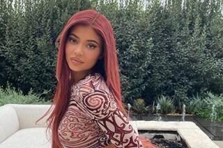 Kylie Jenner con un nuovo colore di capelli: il rosso ramato è il trend capelli dell'anno