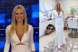 Michelle Hunziker in bianco per la semifinale di All Together Now: le scarpe fucsia sono di lusso