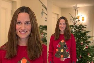 Pippa Middleton è regina del low-cost: indossa un maglione di Natale da 25 euro