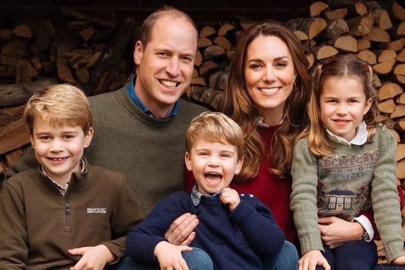 William, Kate e i loro figli: George, Louis e Charlotte