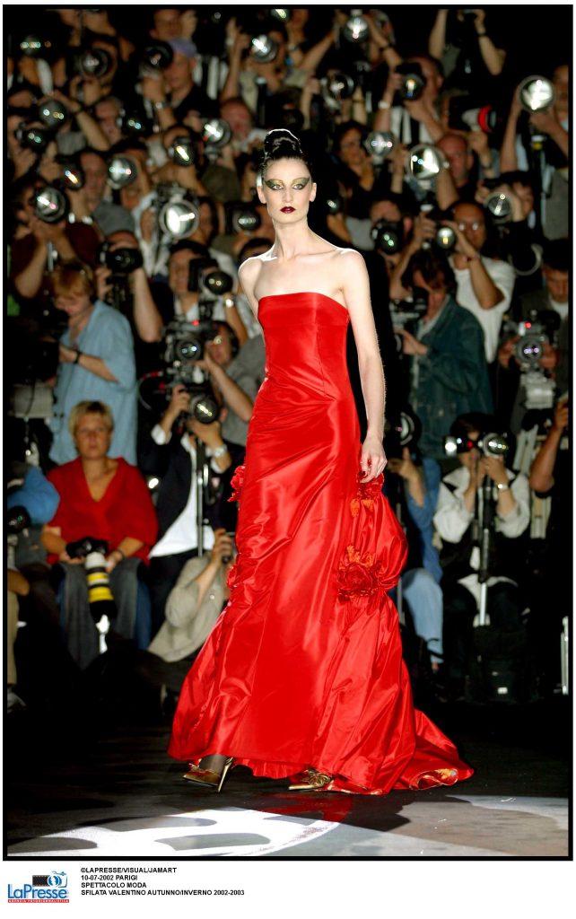 Sfilata Valentino collezione Autunno/Inverno 2002–03