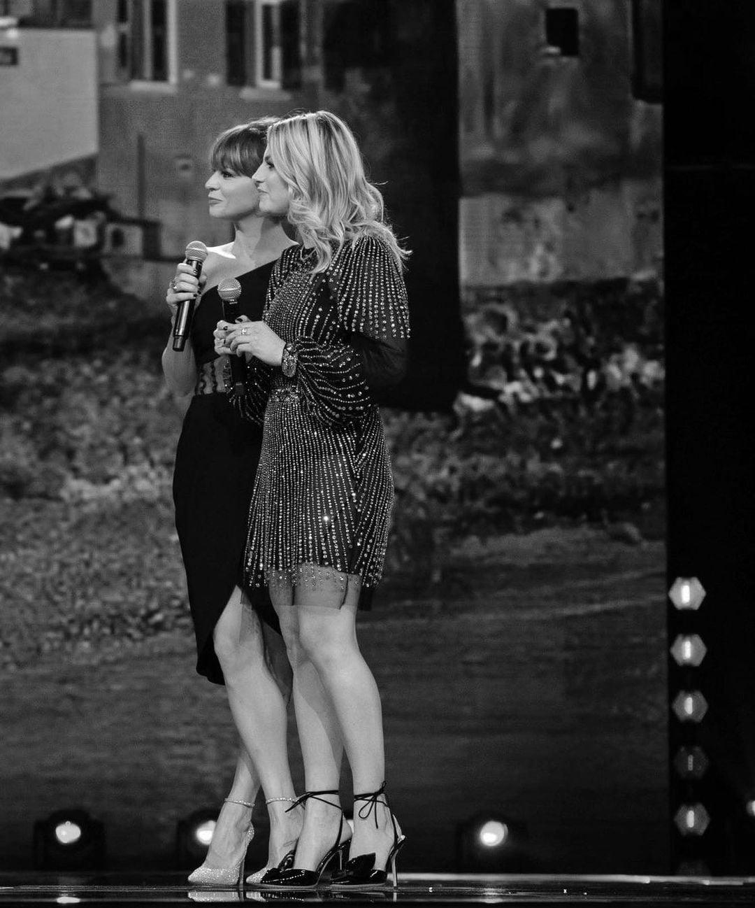 Emma e Alessandra insieme sul palco
