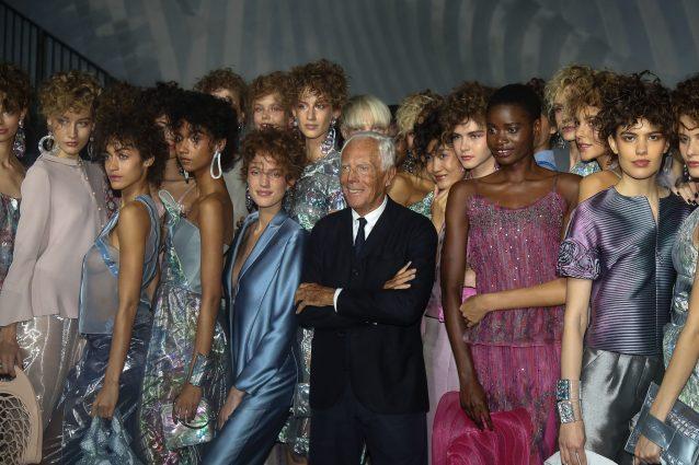 Armani con le sue modelle