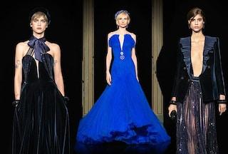 Alta Moda: Armani rende omaggio a Milano con i tailleur blu e gli abiti ricamati come dipinti