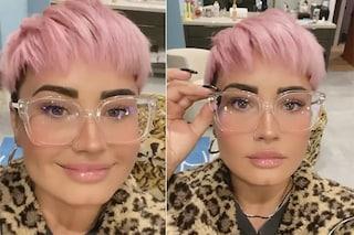 Demi Lovato con i capelli rosa cortissimi: il drastico cambio look l'ha resa irriconoscibile
