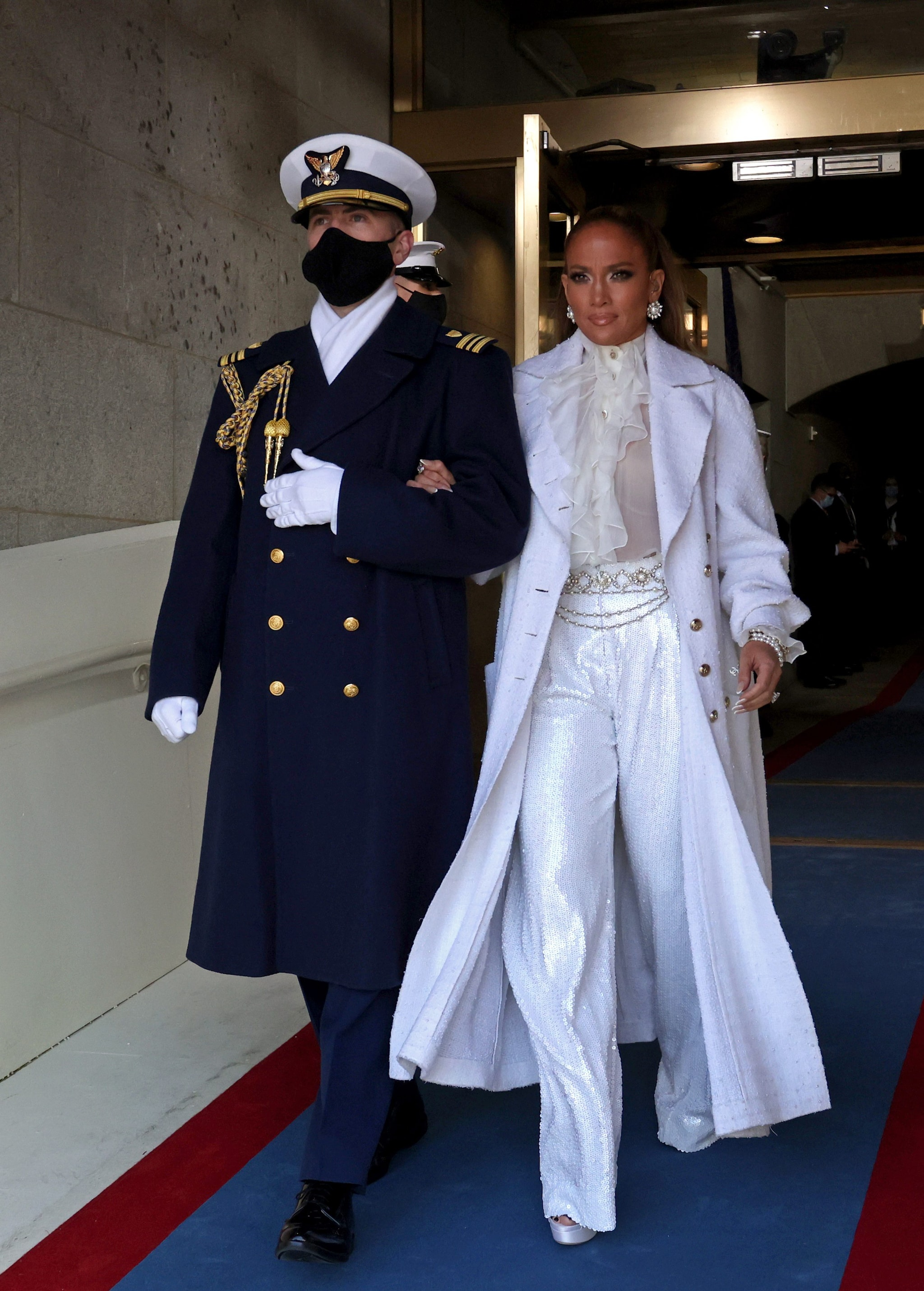 Jennifer Lopez in Chanel all'Inauguration Day di Biden