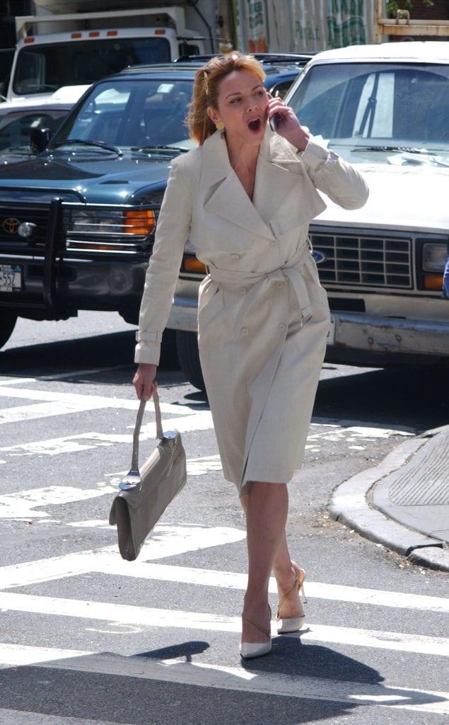 l'attrice Kim Cattrall in una scena di Sex and The City