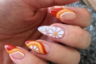 Retro nails: la manicure che si ispira ai pattern anni '70 e '80