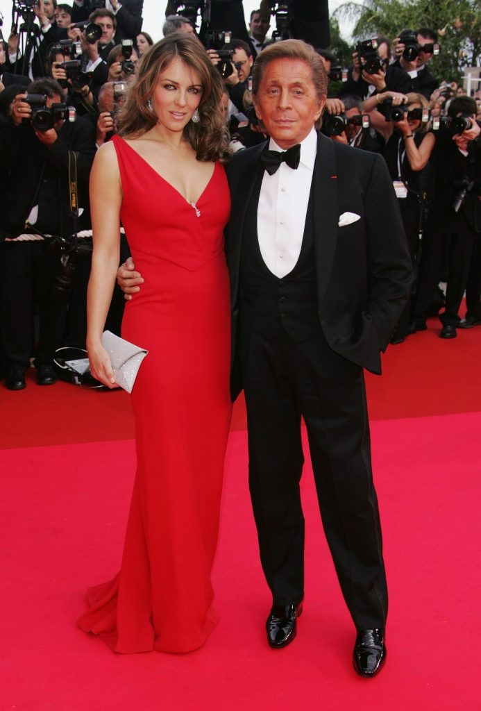 Valentino e Liz Hurley