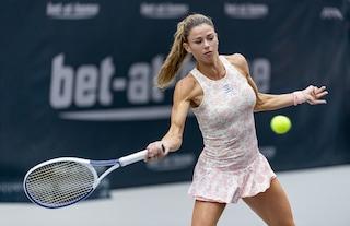 Critiche alla tennista Camilla Giorgi per le foto in intimo, ma se lo fa un uomo non è un problema