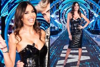 Elisabetta Gregoraci torna al GF Vip: segue il trend dei look in vinile ed è più sexy che mai