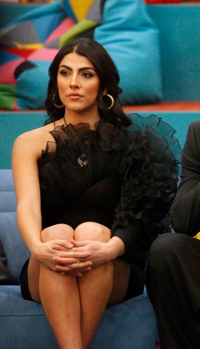 Giulia Salemi in total black